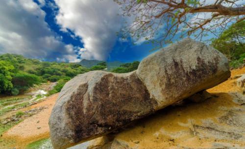 wayuu-stone